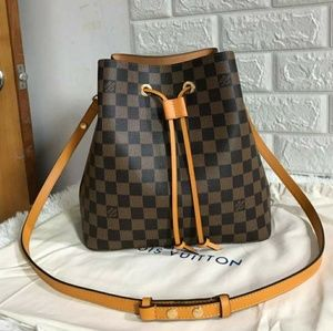 Louis Vuitton Neonoe Check description
